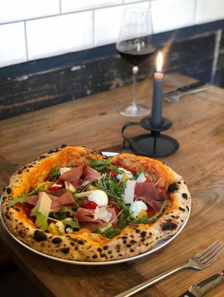 """Napoletanische Pizza """"Von Allem Nur Das Beste"""" - 16,- € (bei Abholung nur am 20.11.2020)"""