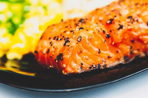 "3-Gänge Fischmenü ""Lachstranche auf Quinoa-Kichererbsen"" - Rebstock Egringen - 38,50 € (b. Abholung)"